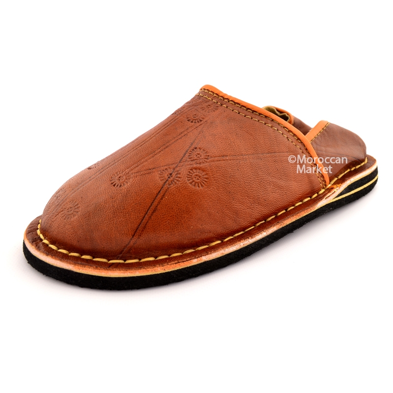 Moroccan Danbira Leather Slippers With A Beautiful Design