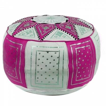 Traditional pouf in fuchsia